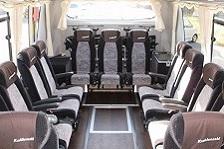 免許取得費用負担で未経験者安心の貸切観光バスドライバー